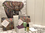 Sundãri Beauty Bag